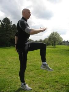 04 Jumps mit diagonaler Armbewegung